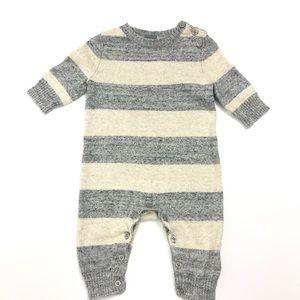 GAP onesie size 3-6 months 💯% cotton